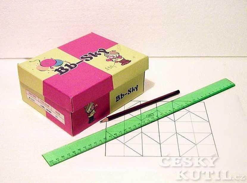 Krabička s látkovou aplikací