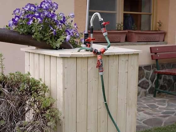 Opláštěte si zahradní sud (Zdroj: Prima DOMA MEDIA, s.r.o.)