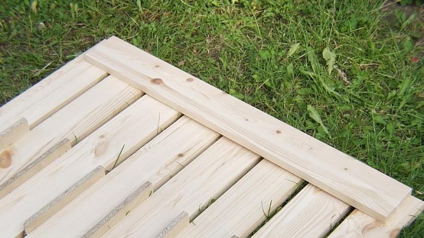 Udělejte si skládací zahradní stůl 1