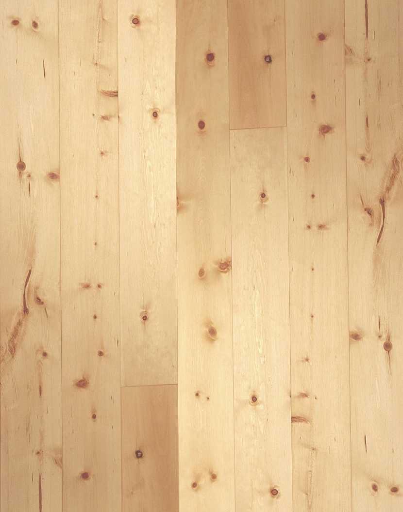 Ve většině případů se dřevěné podlahy dodávají v kvalitě A/B, na obrázku borovicová podlaha FeelWood kvalita A/B