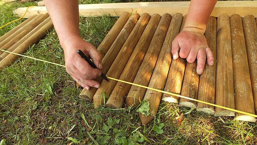Bylinkový šnek: provázková šablonka pomůže s tvarem pláště spirály i s prořezem