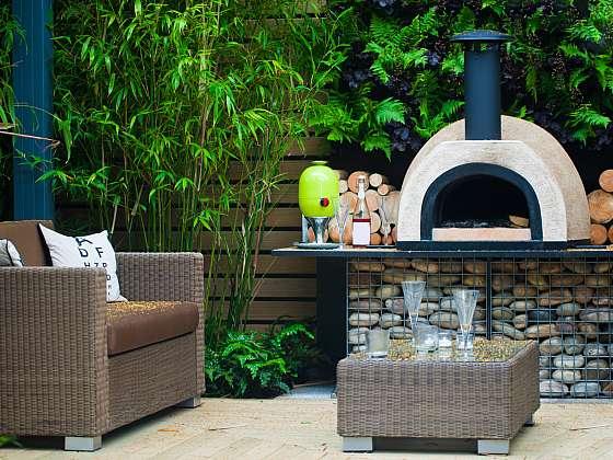 Pec na pizzu doplní zahradní posezení (Zdroj: Depositphotos (https://cz.depositphotos.com))