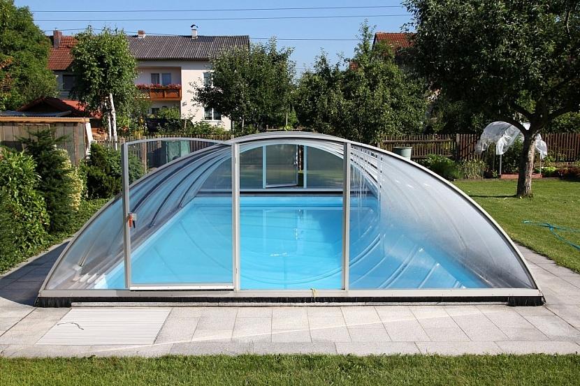 Správná výška bazénového zastřešení vám umožní dlouhé používání bazénu