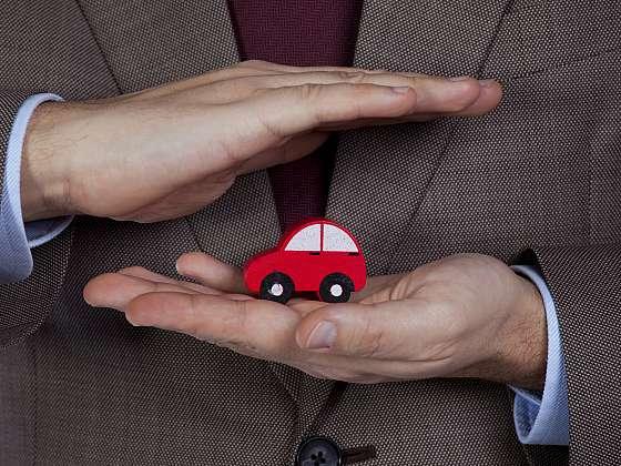 Auta jsou nedílnou součástí našich životů. I proto bychom měli vědět, co vše autopojištění nabízí a dokáže (Zdroj: Depositphotos (https://cz.depositphotos.com))