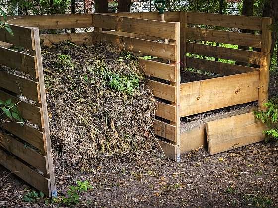 Kompost je základem biozahrádky, představuje cenný zdroj živin (Zdroj: Depositphotos (https://cz.depositphotos.com))