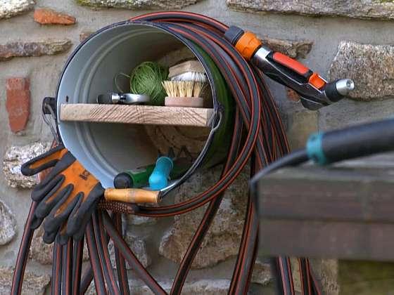 Držák na hadici je efektivní a elegantní řešení, jak se zbavit povalující se hadice (Zdroj: Prima DOMA MEDIA, s.r.o.)