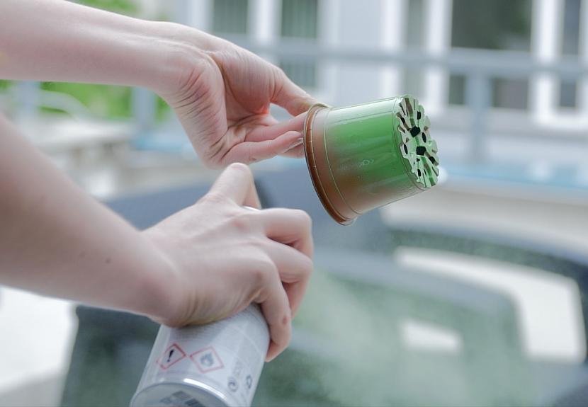 Jak ušetřit místo na parapetu i na balkóně: Třípatrový květináč 1