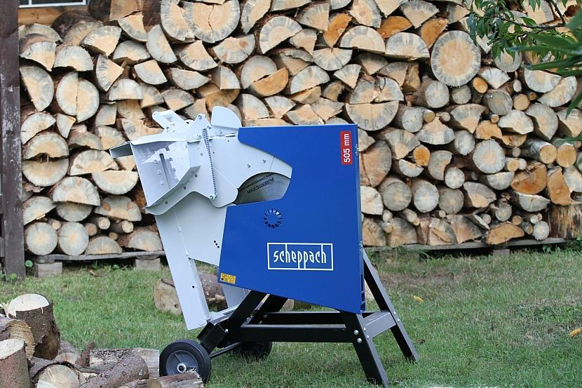 Příprava dřeva na zimu (Zdroj: PRIMA Doma)
