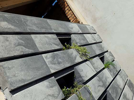 Zelená betonová zeď letní kuchyně (Zdroj: Prima DOMA MEDIA, s.r.o.)