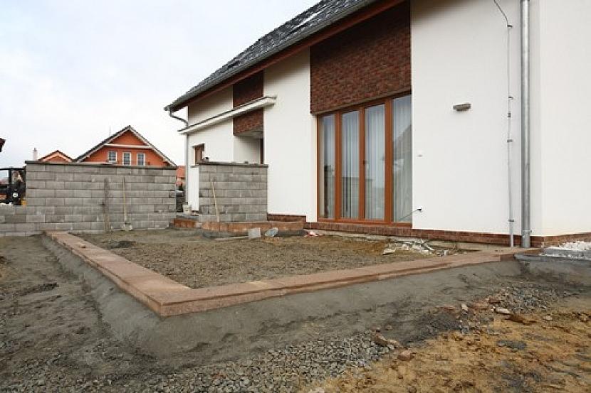 Stavíme terasu u domu