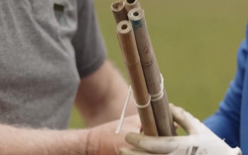 Vázání bambusových tyčí