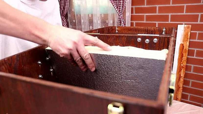 Čím silnější polystyren při výrobě termoboxu použijete, tím lepší izolační vlastnosti bude mít. Zároveň ale narostou rozměry. Ideální tloušťka polystyrenu jsou zhruba 4 cm