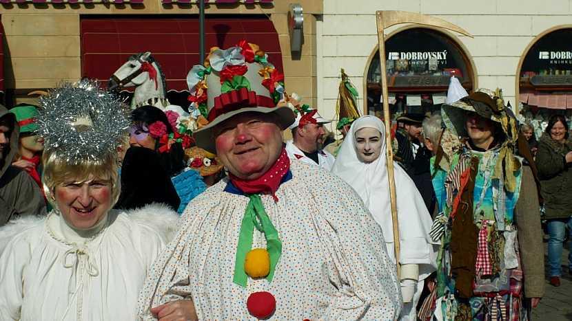 Na Popeleční středu končí masopust – doba tradičních průvodů v maskách, veselic a zábav a venkovských zabíjaček. Nastává doba velkého 40 denního půstu