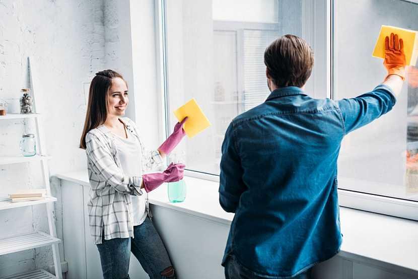 Do finálních prací zahrneme i umytí a vyleštění okenních tabulí