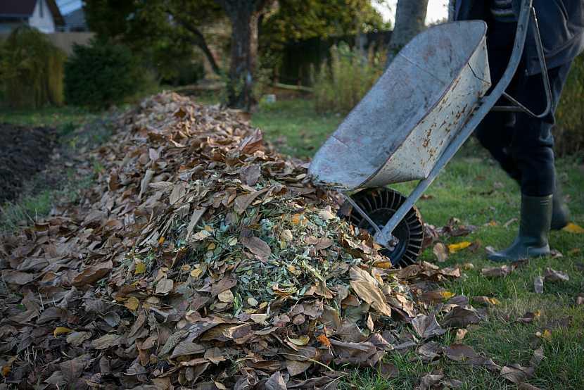 Kompostovaní listí
