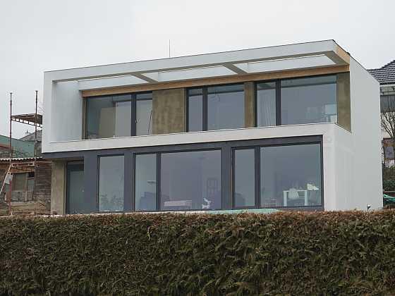 Představujeme kontejnerový dům postavený svépomocí (Zdroj: Alžběta Cutáková)