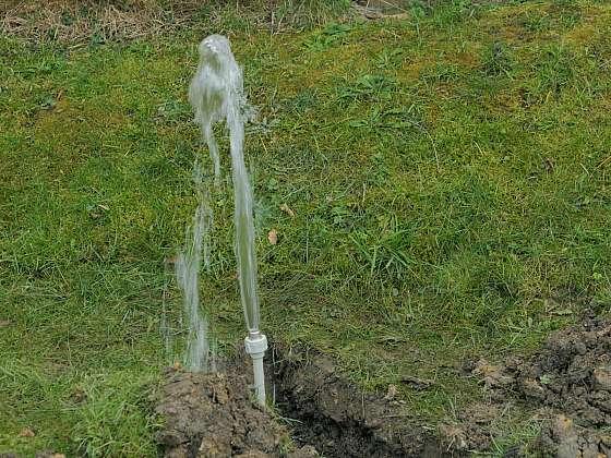 Zahradní sprcha potřebuje přívod vody (Zdroj: Prima DOMA)
