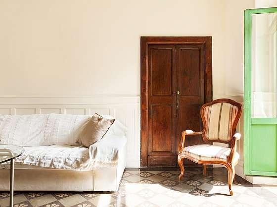 Renovaci dveří zvládnete jednoduše sami (Zdroj: Depositphotos)