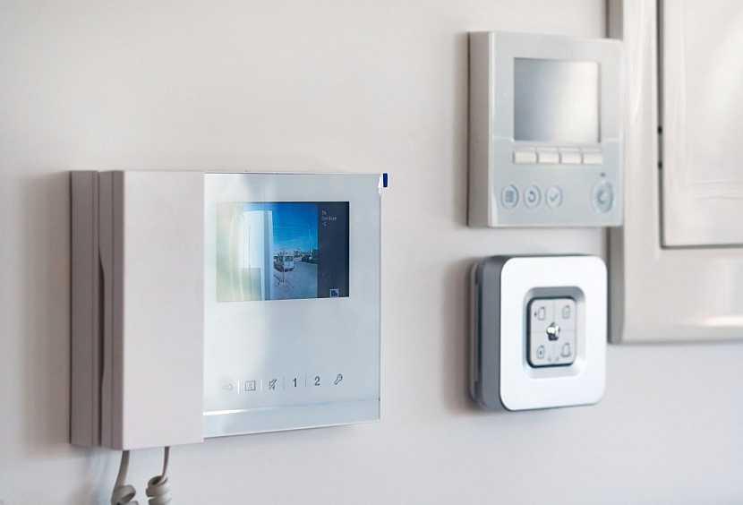 I zabezpečení bytu nebo kotel je možné ovládat dálkově přes chytrý telefon