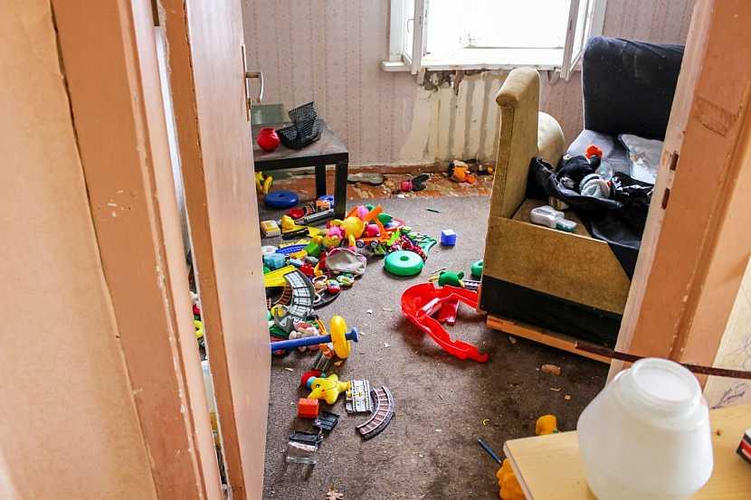 I když naše děti již z her vyrostly, jiným dětem by jejich hračky jistě udělaly radost