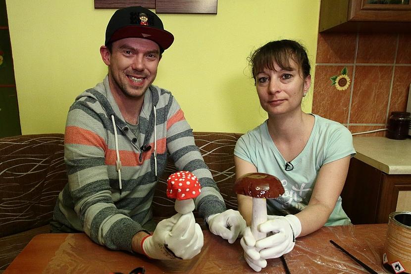 Sádrovou houbu dokončíme - uděláme třeba hříbka či muchomůrku