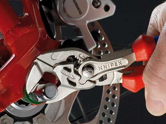 Klešťový klíč KNIPEX – šikovný pomocník do každé dílny