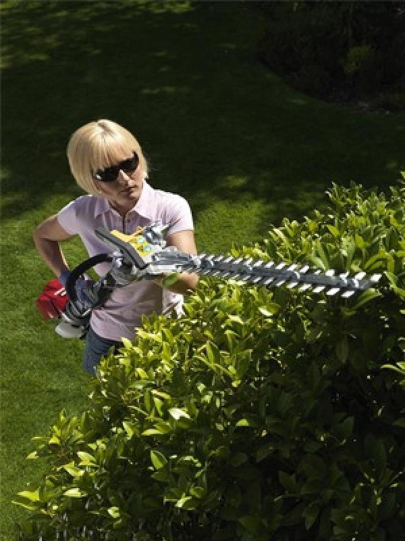 V létě hraje prim péče o trávník