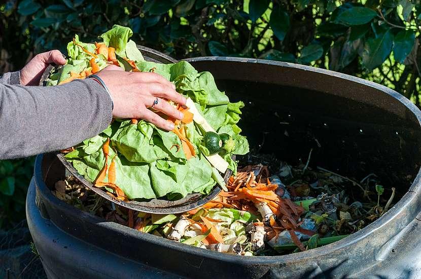 Kuchyňský odpad na kompostu