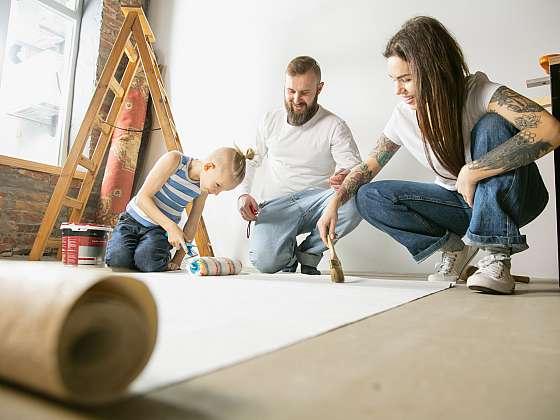Pusťte se do tapetování, je to snadné (Zdroj: Depositphotos (https://cz.depositphotos.com))
