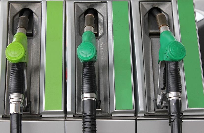 Na čerpací stanici sáhneme po vysokooktanovém palivu, které je po všech stránkách lepší