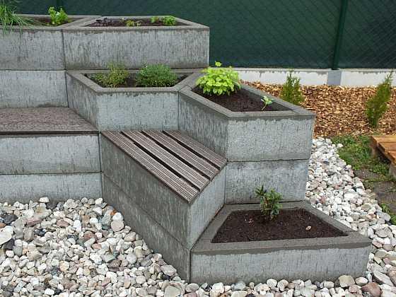 Snadná stavba záhonu pro bylinky (Zdroj: Prima Doma Media)