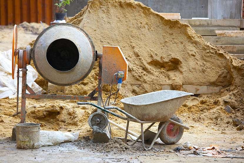 Míchačka na stavbě