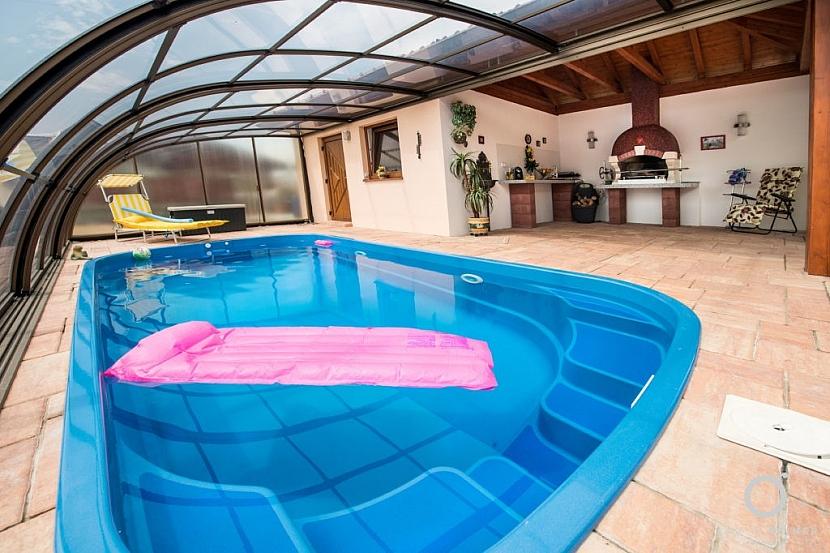 Vybrali jsme pro vás 10 věcí, na které se při výběru bazénu vyplatí myslet: