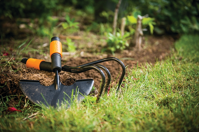 Fiskars_Environmental_QuikFit_Lawn Edger_35 cm_1000690
