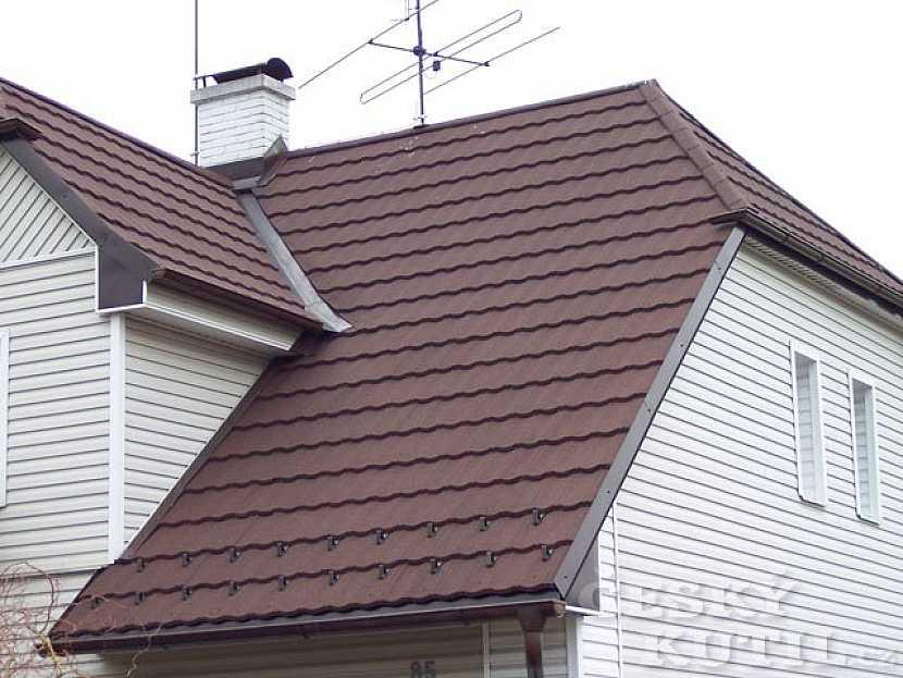 Při rekonstrukci i nové stavbě se dá ušetřit se střechami od společnosti Satjam