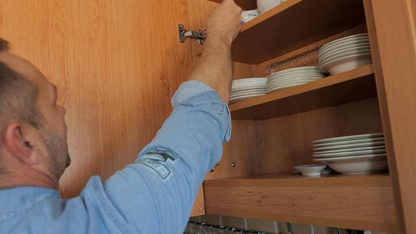 Skříňka, nádobí