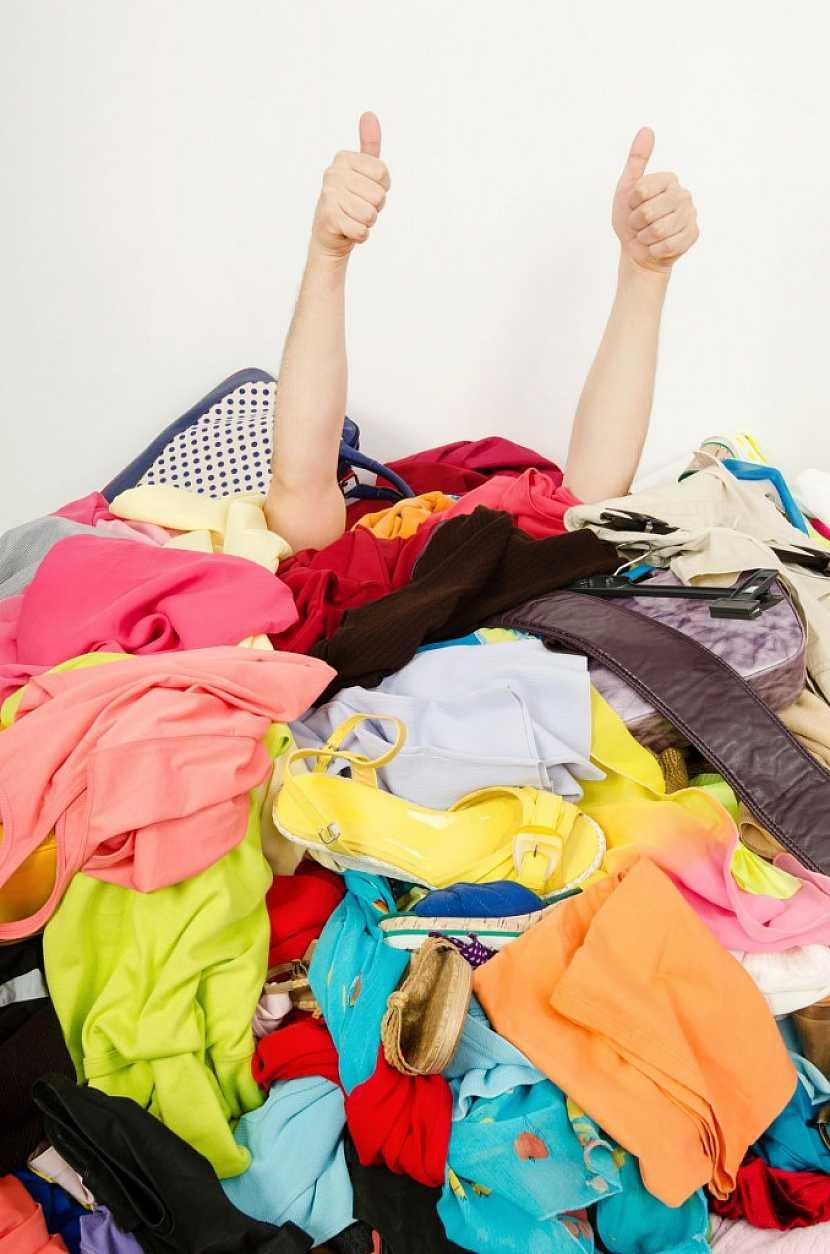 Je opravdu nutné mít ve skříni každý poslední výkřik módy?