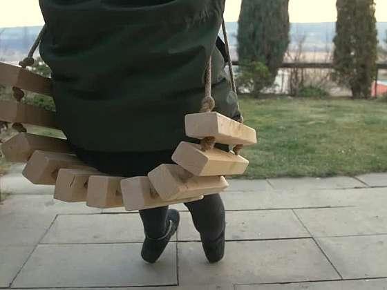 Vyrobte houpačku z latěk a potěšte své blízké (Zdroj: Prima DOMA)