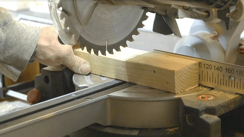 Připravte si dřevěné hranolky