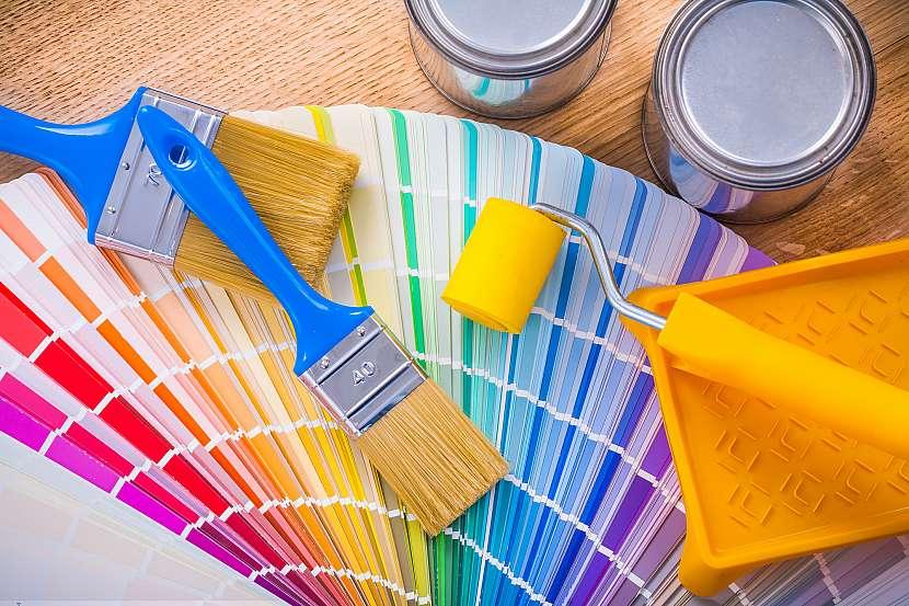 V prodejně si můžete vybrat z celé palety odstínů barev