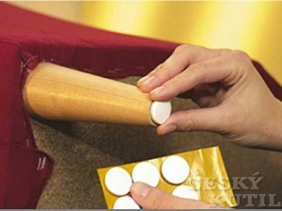 Podložky na nožky pro nábytek aneb stop škrábancům