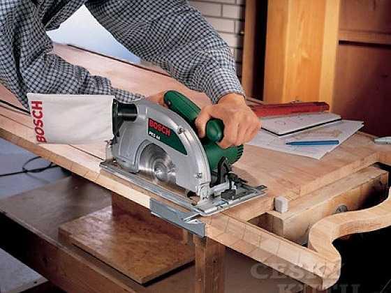 Inovované ruční okružní pily pro kutily