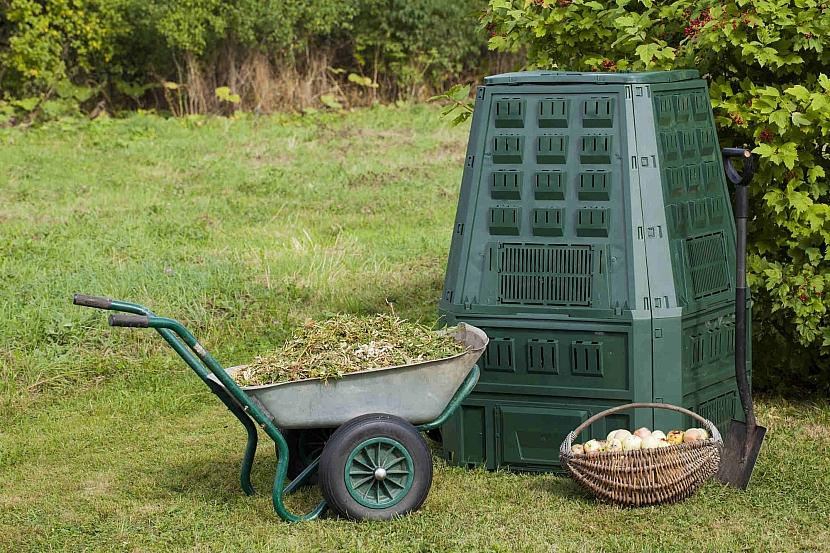 Kupovaný kompostér