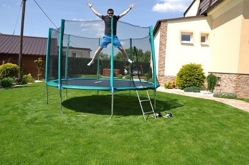 Jak správně na trampolíně skákat?