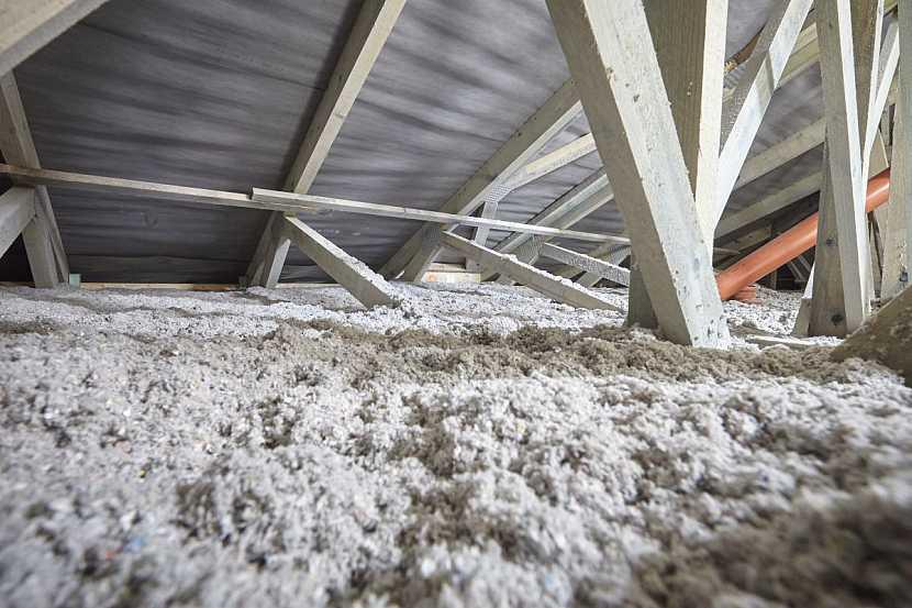 CIUR_zateplená půda uspoří až 35 procent na vytápění