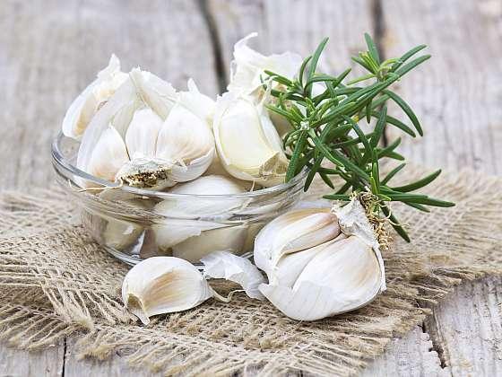 Nejvyšší čas zasadit česnek. Jak to udělat, aby úroda byla bohatá (Zdroj: Depositphotos (https://cz.depositphotos.com))
