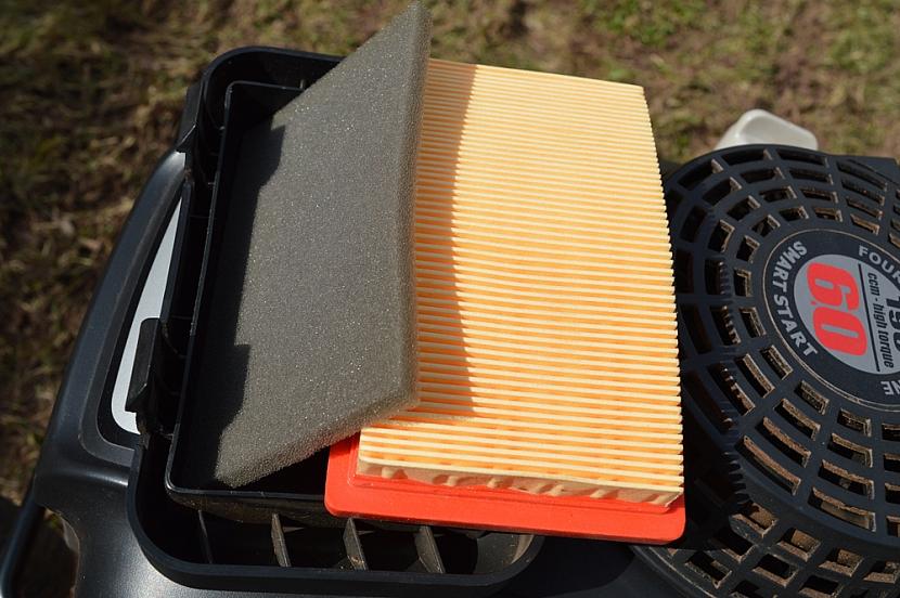 Vzduchový filtr sekačky