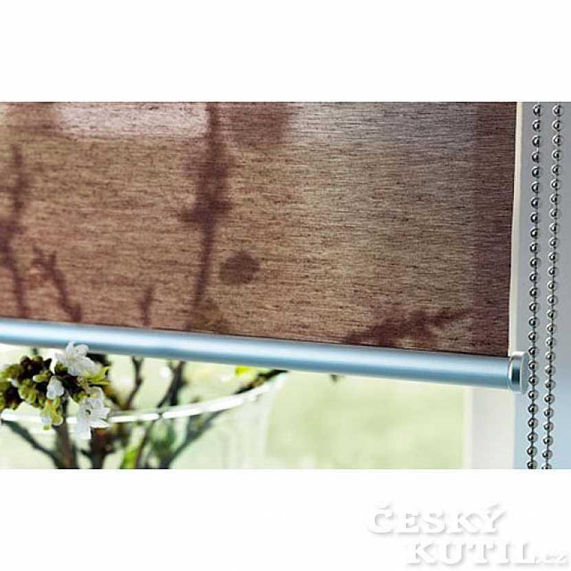 Na zastínění oken: závěsy, rolety i žaluzie