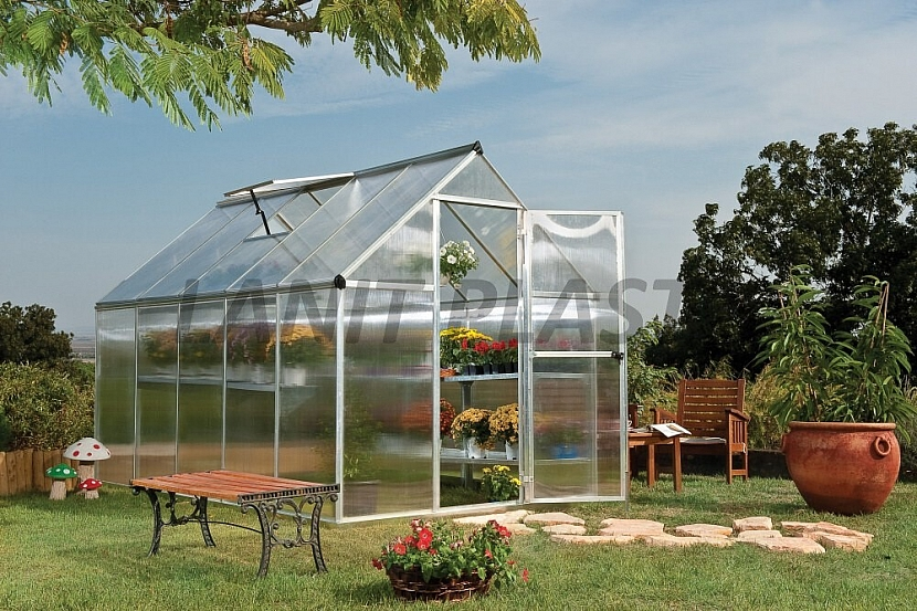 3. Ideální umístění skleníku vůči světovým stranám