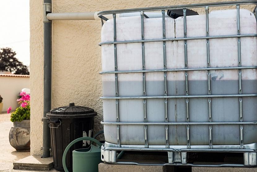 Sběr dešťové vody do kubíkového kontejneru